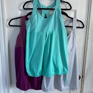 BUNDLE of Old Navy workout tanks
